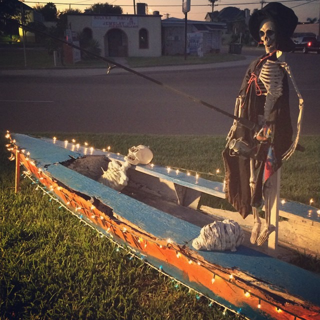 Port Isabel's Highway 100 medians decorated for #dayofthedead #halloween #skull #skeleton #texastodo